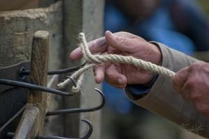 Préparation du cordage de chanvre bio
